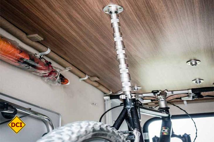 bike holder die geniale fahrradbefestigung f r heckgaragen deutsches caravaning institut. Black Bedroom Furniture Sets. Home Design Ideas