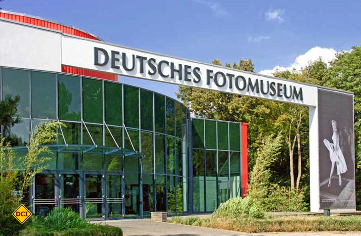 Das Fotomuseum Markkleeberg residiert in einem repräsentativen Gebäude in Markkleeberg. (Foto: Deutsches Fotomuseum)