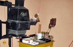 Alle Geräte-Exponate sind aufwändig restauriert und meistens noch voll funktionsfähig. (Foto: Deutsches Fotomuseum)