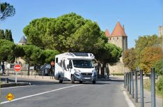 Der Großfürst ist auch vor der Kulisse der Burg von Carcassonne in bester Gesellschaft. (Foto: det)