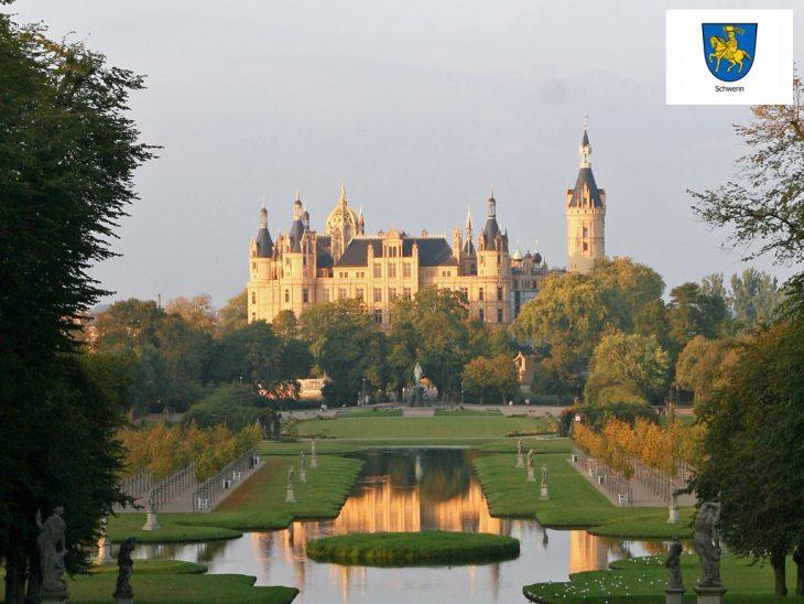 Perle am nordwestlichen Rand der Mecklenburger Seenplatte: Die Hauptstadt Schwerin. (Foto: Schwerin Tourismus)