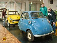 In der Ausstellung sind mehrere Kultutos wie die BMW Isetta zu sehen. (Foto: Technoseum)
