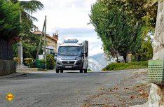 Mit dem Cara Loft 600 MF präsentiert Weinsberg ein hochwertiges Einsteigermobil für Paare. (Foto: det)