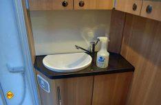 Cleanofant stellt jetzt einen ökologischen Molke-Sanitärreiniger zum Entfernen von Schmutz, Fett, Kalk und Urinstein im Sanitär- und Badbereich vor. (Foto: det)