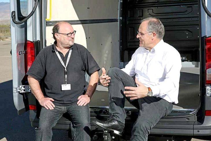 Der Chefredakteur des DCI Claus-Detlev Bues (li.) im Gespräch mit Dr. Harald Ludanek. (Foto: VWN für DCI)