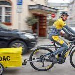 ADAC-Pannenhilfe kommt mit dem E-Bike
