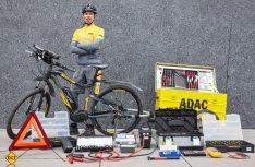 Komplett für den Pannenhilfe-Einsatz ausgerüstet: Der ADAC-Hänger für die E-Bike-Pannenhelfer. (Foto: ADAC)