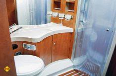 Das Bad ist praxisgerecht und komfortabel. (Foto: det)