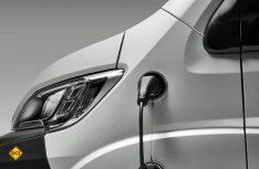 Bewährte Technik: Der E-Ducato kann an allen gängigen Ladestationen aufgeladen werden. (Foto: Werk)