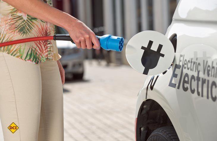 Im Jahr 2018 sollen laut ersten Schätzungen weltweit eine Million Elektrofahrzeuge verkauft werden. (Foto: Ampnet)