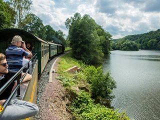 Unter Dampf – Mit der historischen Weisserritz-Talbahn unterwegs von Freital nach Dippoldiswalde (Foto: Tourismusverband Erzgebirge e.V.)
