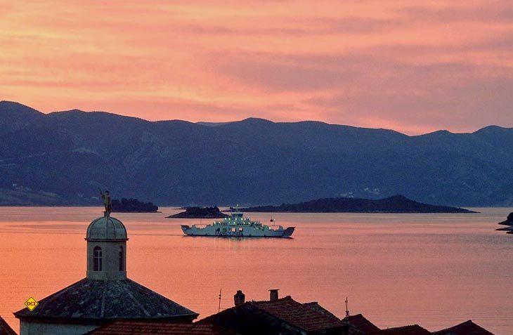Die neue Fährverbindung zwischen Italien und Montenegro erleichtert nicht nur Wohnmobilisten und Caravanern die Anreise in das Touristen-Traumziel an der Adriaküste. (Foto: croatiaferries.com / V. Damjanovic)
