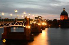 Abenddämmerung über der Altstadt von Toulouse. (Foto: CRT Midi-Pyrenees)