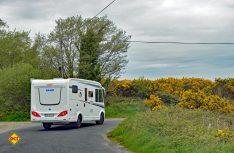 Der Knaus Van ist wendig und handlich auch auf den schmalen Strassen von Irland zu bewegen. (Foto: det)