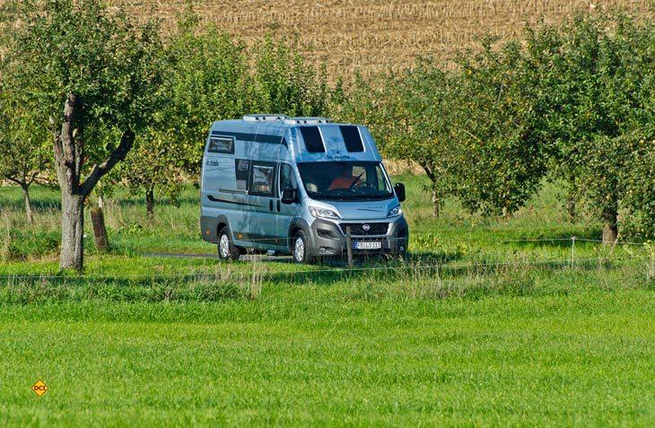 Mit dem Avanti EB stell la strada ein komfortables Kastenwagenmobil für Zwei mit Einzelbetten im Heck vor. (Foto: Werk)