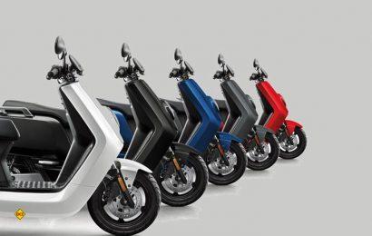 Der E-Roller von NIU will die elektromobile Revolution der Zweiräder in Deutschland einläuten. Der schicke und umweltfreundliche Stadtflitzer ist ab sofort in fünf Farben bei vielen Händlern zum Preis von 2.699.- Euro erhältlich. (Foto: Werk)