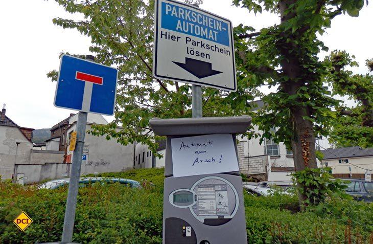 Ein defekter Parkautomat oder eine defekte Parkuhr erlaubt kein freies Parken. (Foto: det)