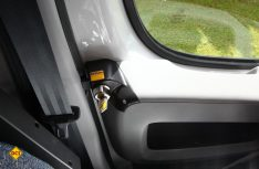 Wirken abschreckend: Zusatzchlösser für gängige Fahrerhaustüren von HeoSolution. (Foto: HeoSoltion)