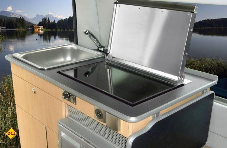 Für kleine Reisemobile auf großer Fahrt eine sinnvolle Alternative – das Kombinationsgerät zum Kochen und Heizen von dem finnischen Yachtausrüster Wallas (Foto: Werk / Wallas)