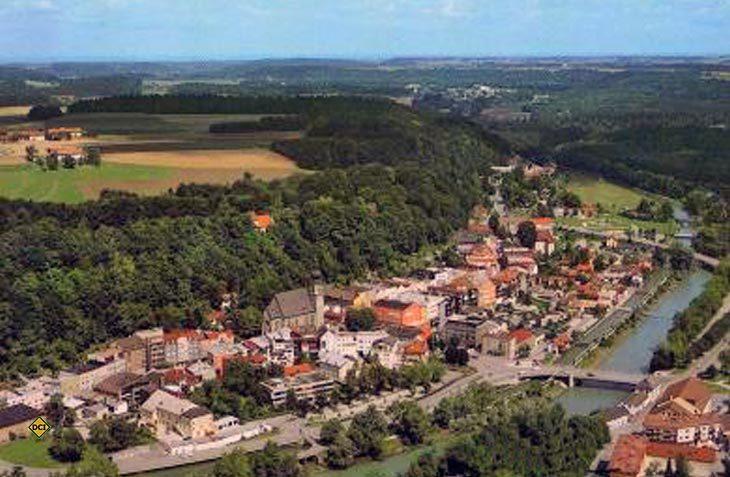 Die Chiemgau-Stadt Trostberg ist idyllisch an der Alz gelegen. (Foto: Stadt Trostberg)