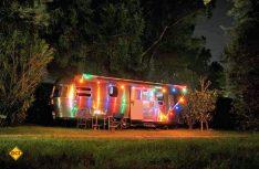 Der Airstream-Hänger war und ist bei Tag und Nacht eine beliebte Filmkulisse auf der ganzen Welt. (Foto: Werk