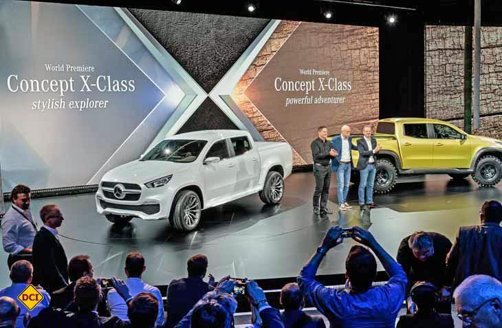 Zwei schon seriennahe Konzept-Fahrzeuge zeigen einen ersten Ausblick auf die neue X-Klasse Pick Ups von Mercedes-Benz. (Foto: Mercedes-Benz)