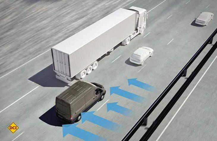 Der Seitenwind-Assistent ist beim Ford Transit jetzt serienmäßig im ESP integriert. (Foto: Ford)