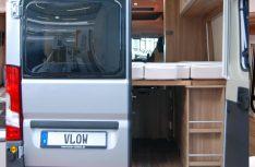 Der Heckstauraum des Carado Vlow unter dem Bett ist dank geteilter Lattenroste variabel umbaubar. (Foto: alf)