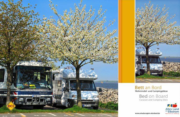 Das Alte Land heißt Wohnmobile willkommen: Der Flyer informiert über Camping- und Stellplätze in der Region. (Foto: Tourismus Landkreis Stade)
