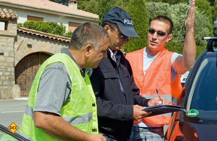 Bei einem Unfall im Ausland hilft der Zentralruf der Autoversicherer mit einer kompetenten Hotline. (Foto: GDV)