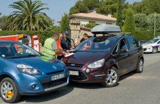 Bei Unfällen im Ausland kann der Zentralruf der Autoversicherer schnell hefen. (Foto: GDV)