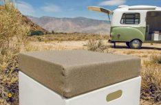 Die robusten GfK-Möbel können teilweise als Blocks auch draußen verwendet werden. (Foto: Werk)