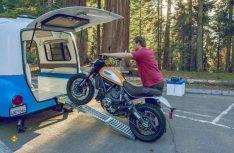 Sogar ein Bike läßt sich mit dem entsprechenden Paket problemlos im Happier Camper HC 1 transportieten. (Foto: Werk)