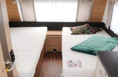 Beide Einzelbetten sind groß genug und mit komfortablen Kaltschaummatratzen ausgestattet. (Foto: sis)