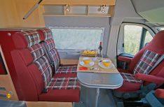 Die neu gestaltete Sitzbank mit Isofix-Befestigungen für Kindersitze wird für alle La Strada-Modelle Serie. (Foto: Werk)