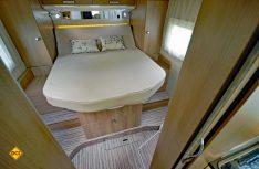 Viel Platz und Luxus im Schlafbereich: Hier der Maibu I 440 mit Queensbet. (Foto: det)