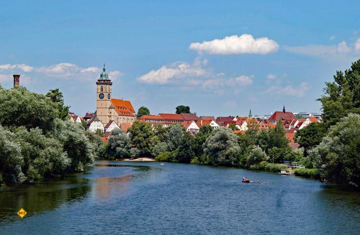"""Die malerische Hölderlinstadt Nürtingen am Neckar lädt zum neunten Mal zum Reisemobil-Treffen """"Leckerschmecker am Neck´r"""" ein. (Foto: Stadt Nürtingen)"""