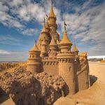 Aus Sand gebaut – Die Schöne und das Biest