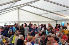 Highlife und tolle Stimmung im Festzelt des 20. Tischer-Treffens. (Foto: Tischer)