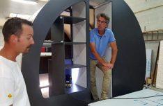 Visionär und Tüftler: Der Franzose Eric Beau (im Hintergrund). (Foto: Werk)