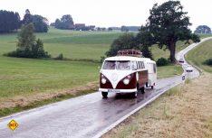 Schick: VW T1-Gespann mit Eriba-Hänger. (Foto: Hymer)