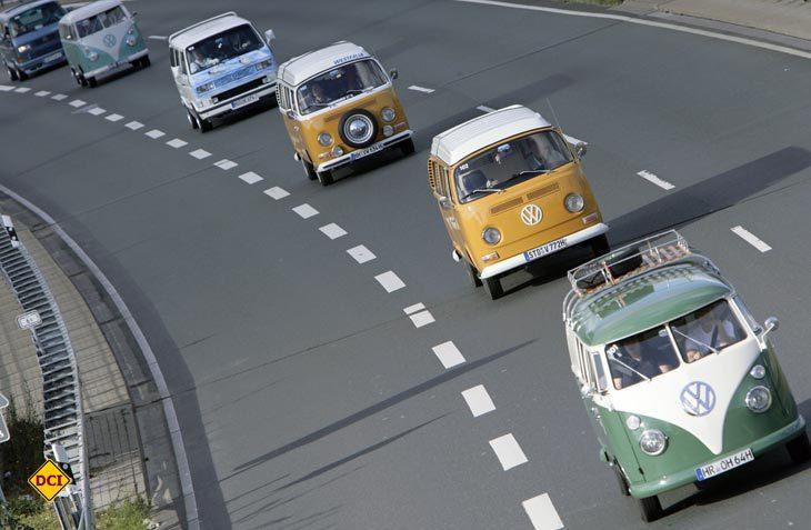 """Am 6. August geht es im """"Konvoi"""" von Wolfsburg nach Hannover zur großen Open-Air-Party vor das Werk von Volkswagen Nutzfahrzeuge. (Foto: VW / Phil Schreyer)"""