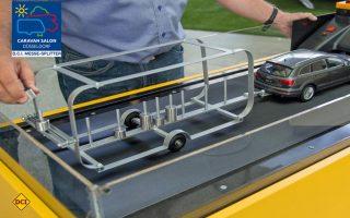 Der ADAC zeigt mit seinem Schlingemodell die Gefahren falscher Beladung von Hänegr und Caravans. (Foto: ADAC)