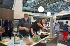Concorde Markenbotschafter und TV Koch Stefan Marquard kocht am 30. August auf dem Caravan Salon-Stand. (Foto: Werk)