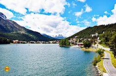 Rund um den See in St. Moritz sind die Schönen und Reichen aus der ganzen Welt zu Hause. (Foto: hcb)
