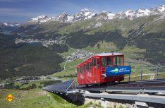Mit der legendären Standseilbahn, die schon über 100 Jahre auf dem Buckel hat, geht's zum Gipfel des Muottas Muragl (Foto: swiss-image.ch / Christoph Sonderegger)