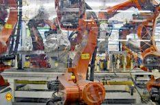 Mehr als 700 Roboter helfen im Werk Servel den Fiat Ducato zu bauen. (Foto: det)