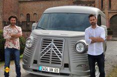 Die italienischen Designer Fabrizio Caselani (links) und David Obendorfer legen den berühmten Transporter neu auf. (Foto: Typehy.eu)