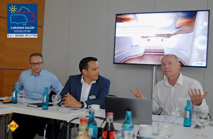 Andreas Ortlieb, Bernhard Kibler (Erwin Hymer Group) und Professor Dr. Stefan Bratzel (CAM) (rechts) stellen die Markforschungs-Studie von Hymer vor. (Foto: det)
