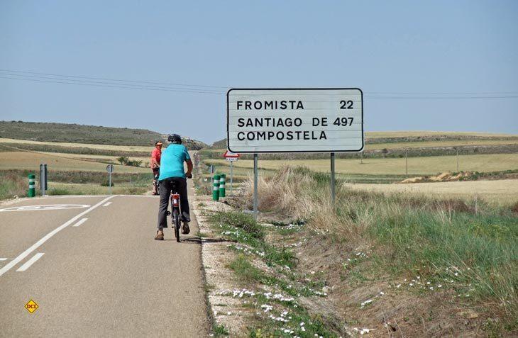 Nicht nur der Weg ist das Ziel - Santiago de Compostella mit dem Grabmal dees Heiligen Jakobus ist das erklärte Ziel der Camino-Pilger. (Foto: Meurer)